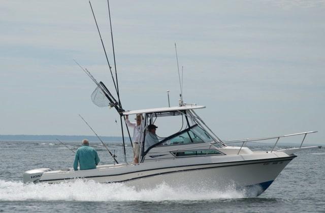 Peconic Water Sports Fishing Boat Rental in the Hamptons in Long Island, New York